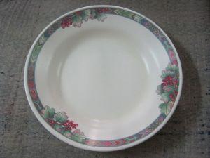 800px-Kitchenware_Melamine_Plate_Rezowan