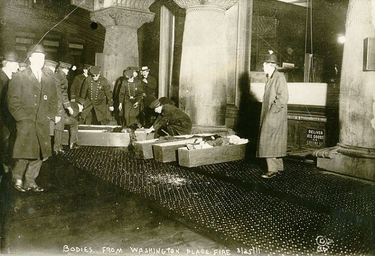 Triangle_Shirtwaist_coffins