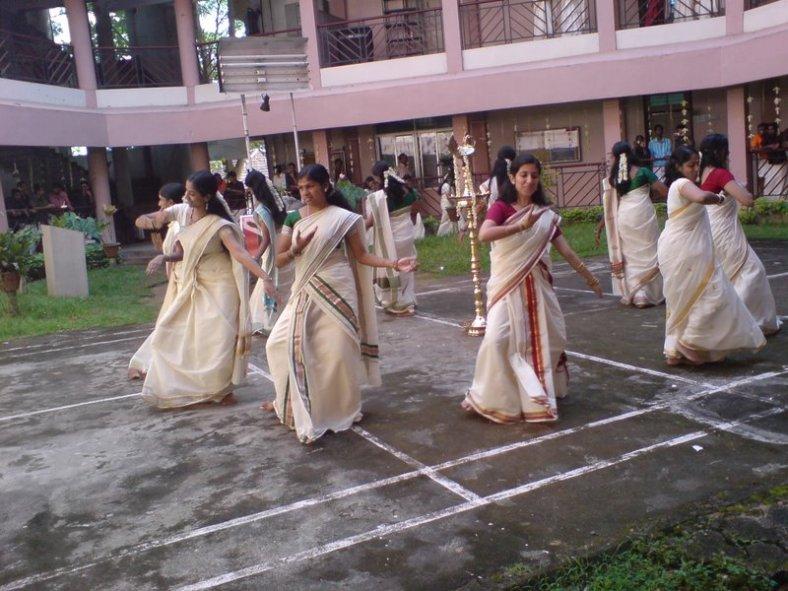 Thiruvathira_Kali_During_Onam