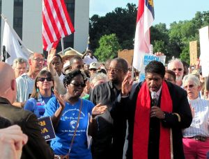 800px-william_barber_at_moral_mondays_rally